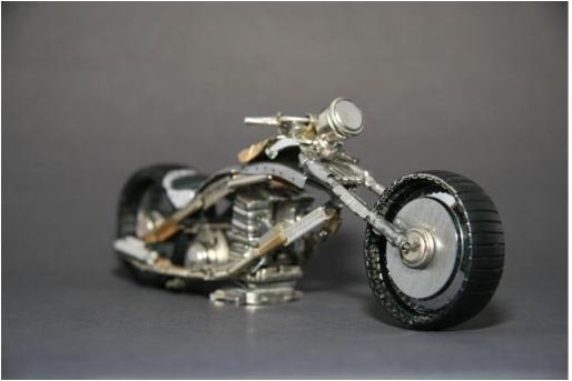 Мотоциклы искусство из часов и очков